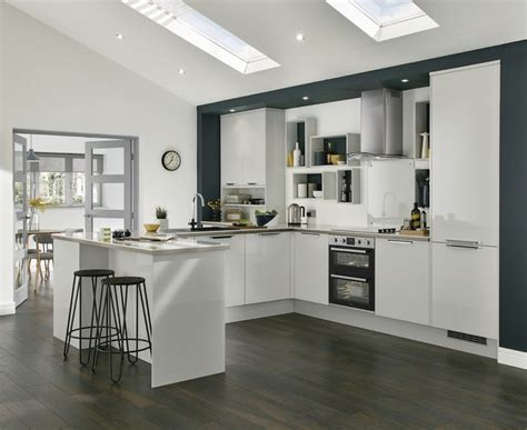 howdens cuisine greenwich gloss dove grey kitchen universal kitchens