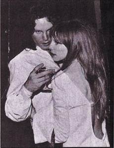 Jim Morrison and Pamela Courson: Rare Photos of Jim ...