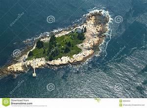 Poetisch Kleine Insel : kleine insel mit leuchtturm im golf von maine vogelperspektive stockfoto bild von ferien ~ Watch28wear.com Haus und Dekorationen