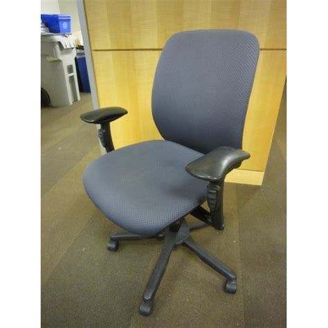 teknion office task chair blue adjustable 8 way gas allsold ca buy sell used office