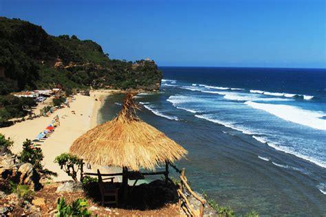 pok tunggal beach gunung kidul yogyakarta enjoy