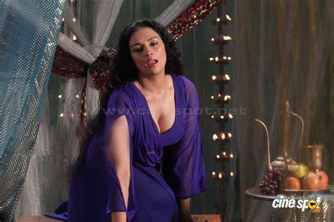 Actress Hot Swetha Menon Hot