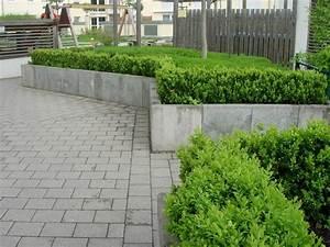 Beton Im Garten : frankengr n gr nanlagenbau einfach geile g rten mauern einfassungen beton ~ Markanthonyermac.com Haus und Dekorationen