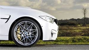Pack Safety Bmw : bmw m4 competition pack two minute road test motoring research ~ Gottalentnigeria.com Avis de Voitures