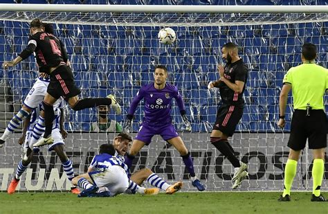 Real Madrid drop points in first game of La Liga title ...