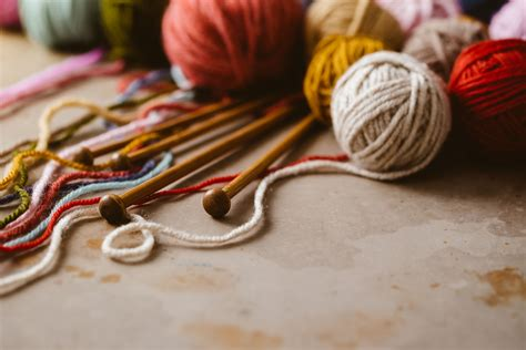 essential tools  beginning knitters