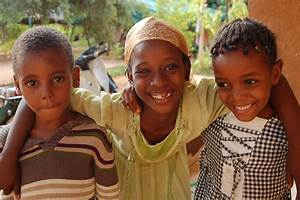 ZARMA PEOPLE: NIGER`S WARRIOR TRIBE AND HIPPOPOTAMUS HUNTERS