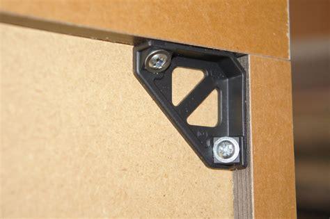 fixation meuble haut de cuisine dans placo image sur le design maison