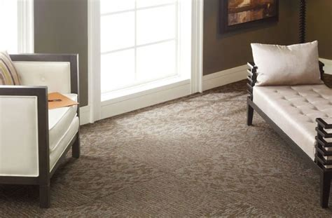 how to install the residential carpet tiles with padding