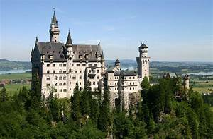Neuschwanstein Castle: King Ludwig's Castle - Bavaria,