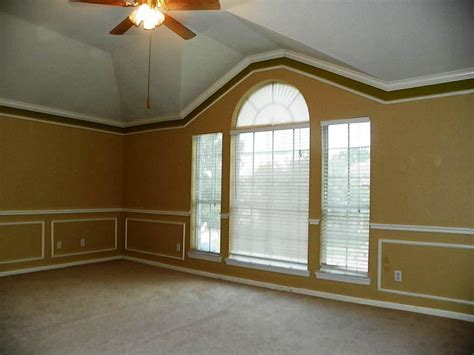 Crown Molding On Vaulted Ceilings Decorations House
