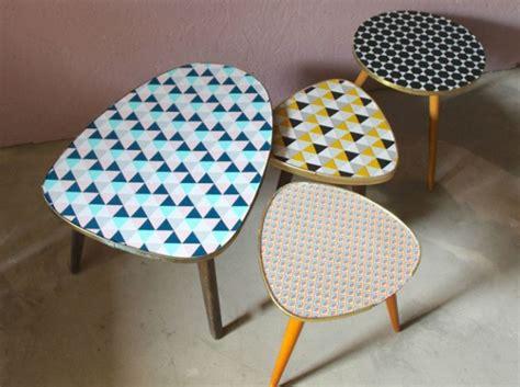 formica cuisine customiser ses meubles avec des chutes de papier peint