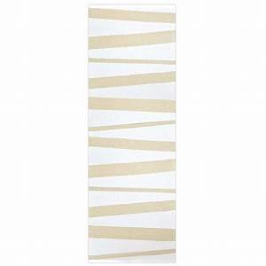 tapis de couloir are raye blanc et beige sofie sjostrom With tapis couloir avec canapé blanc design