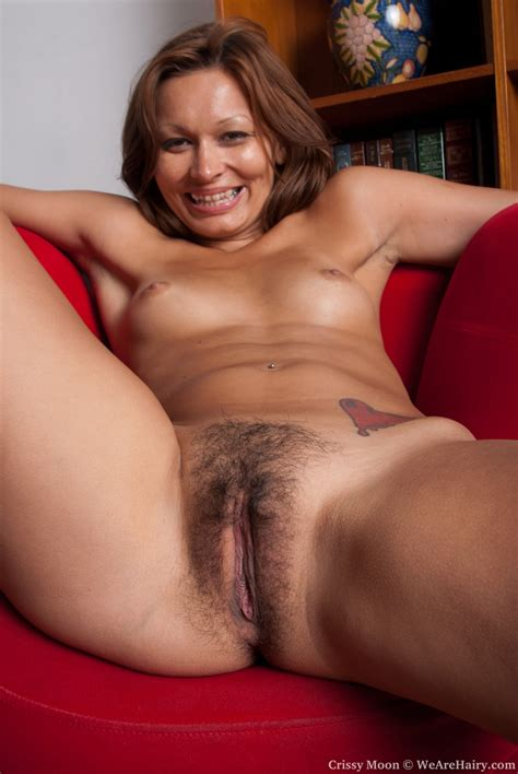 Wearehairy Crissy Moon Natural Crissy Moon Spreads Her