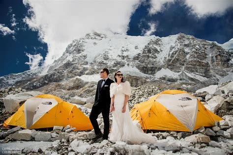 This Couple Had Their Wedding On Mount Everest And The Pictures Are Epic! WARNING!!!   No