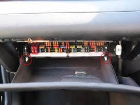 similiar bmw i fuse box keywords 2004 bmw x5 fuse box location on 2001 bmw 325i fuel pump location