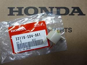 Genuine Honda Acura Headlight Bulb Socket 33116