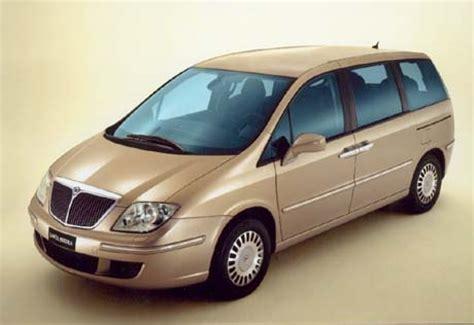 voiture avec 3 sieges arriere les lancia phedra et voyager sont des monospaces à 7