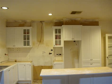 how to remove grease from cabinets how to remove grease from kitchen cabinets vitlt com