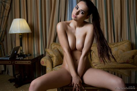 Helga Lovekaty Nude Indoor Bella Da Semana Nude Haven