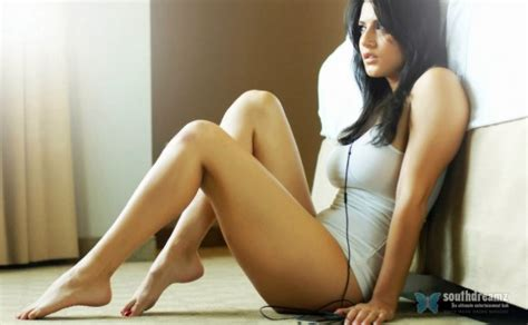 Top 50 Hot Sunny Leone Wallpapers
