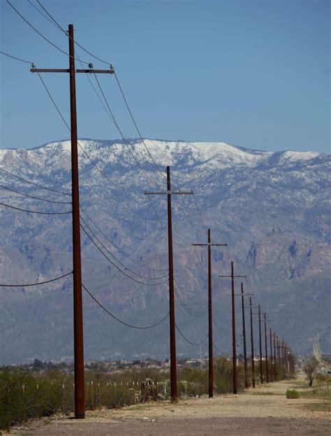 Lineman Photos | Steel Utility Poles and Lineman