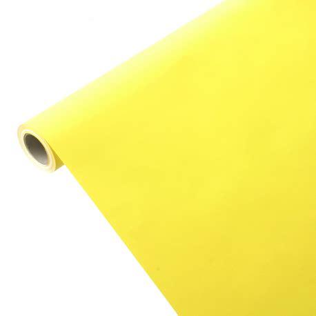 coussin alliances gris et nappe en papier jaune citron imperméable et résistante