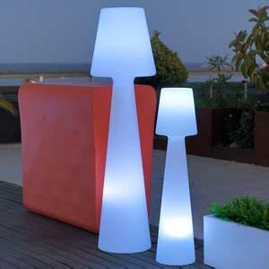 Lampadaire Exterieur Design : luminaire ext rieur applique exterieur spot ou lampadaire design ~ Teatrodelosmanantiales.com Idées de Décoration