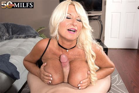 Proudly Presenting Annellise Croft What A Terrific Milf Boobglam