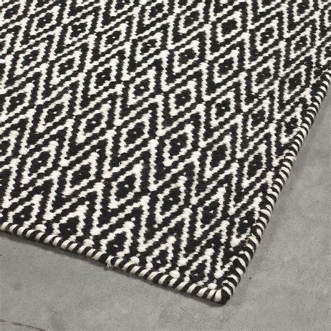 tapis moderne mic mac noir angelo