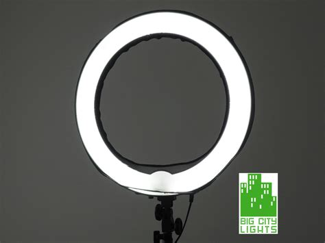 led 18 dimmable ringlight big city lights