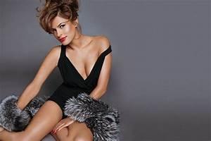 Beauty: Eva Mendes Destination Iman