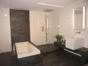 bad einrichten beige badezimmer fliesen modern