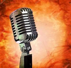 Vintage microphone on grunge background — Stock Photo ...