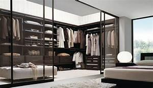 Kleiderschrank Mit Glastüren : begehbarer kleiderschrank planen 50 ankleidezimmer schick einrichten kleiderschrank ~ Whattoseeinmadrid.com Haus und Dekorationen