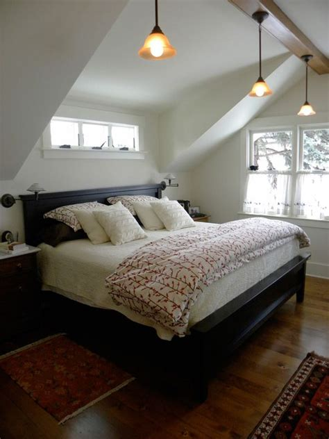 shed dormer  bedroom small windows  bed