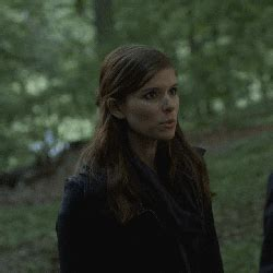 kate mara house of cards house of cards gif find on giphy