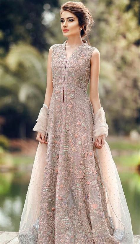 Beautiful Model And Dressed Dresses For In Pakistan 2018 With Outstanding