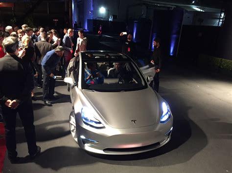 future electric cars gm diesel hopes  mile honda ev