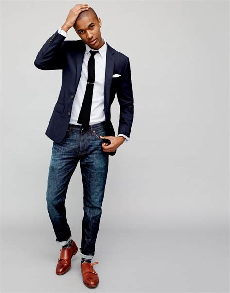 J.Crew Shows How to Style the Navy Blazer