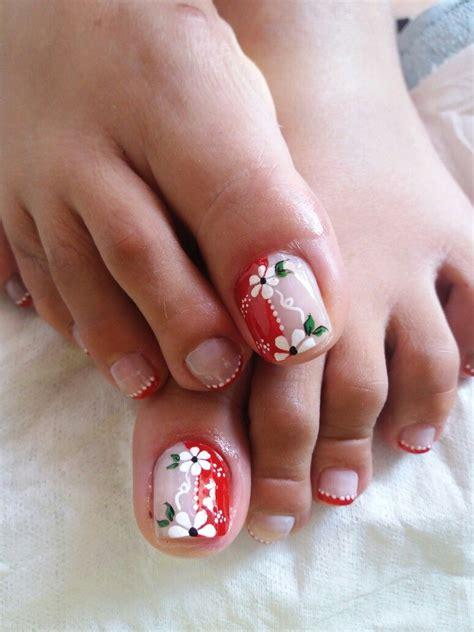 Ver más ideas sobre uñas con flores, manicura de uñas, disenos de unas. Pin de Neisser Maldonado en Uñas pies   Diseños de uñas pies, Uñas de pies sencillas, Uñas pies ...
