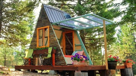 making   tiny  frame cabin built   weeks