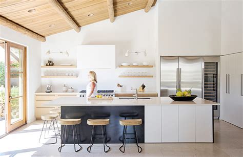 20+ Kitchen Vent Hood Ideas For Your Next Reno