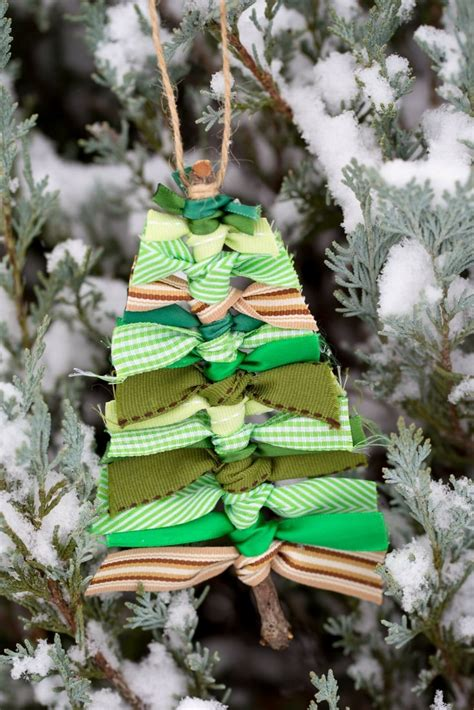 affordable diy christmas tree decorations  budget mom