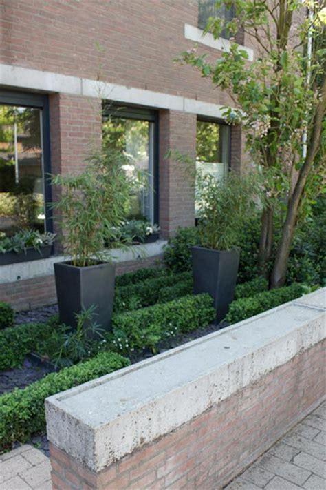 Garten Vorne Gestalten by Vorne Garten Mit Vielen Pflanzen Wohnideen Einrichten