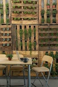 Kleiderschrank Selbst Gebaut : le mur v g tal en palette id es originales pour un jardin vertical r cup ~ Markanthonyermac.com Haus und Dekorationen