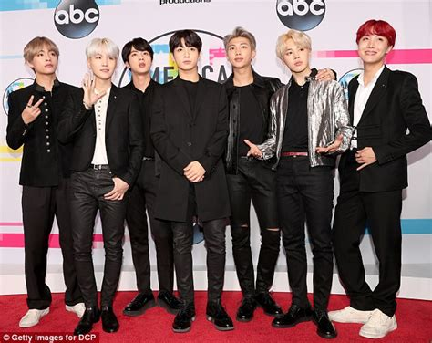hot korean boy band amas korean boy band bts arrive with new hair colors