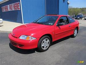 2001 Bright Red Chevrolet Cavalier Coupe #63781213 Photo ...