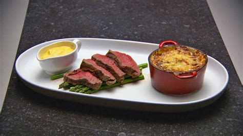 chateaubriand cuisine chateaubriand with béarnaise sauce and potato and speck gratin