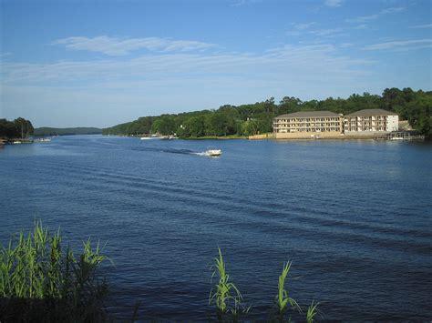 Lake Hamilton and Lake Catherine - Wikipedia